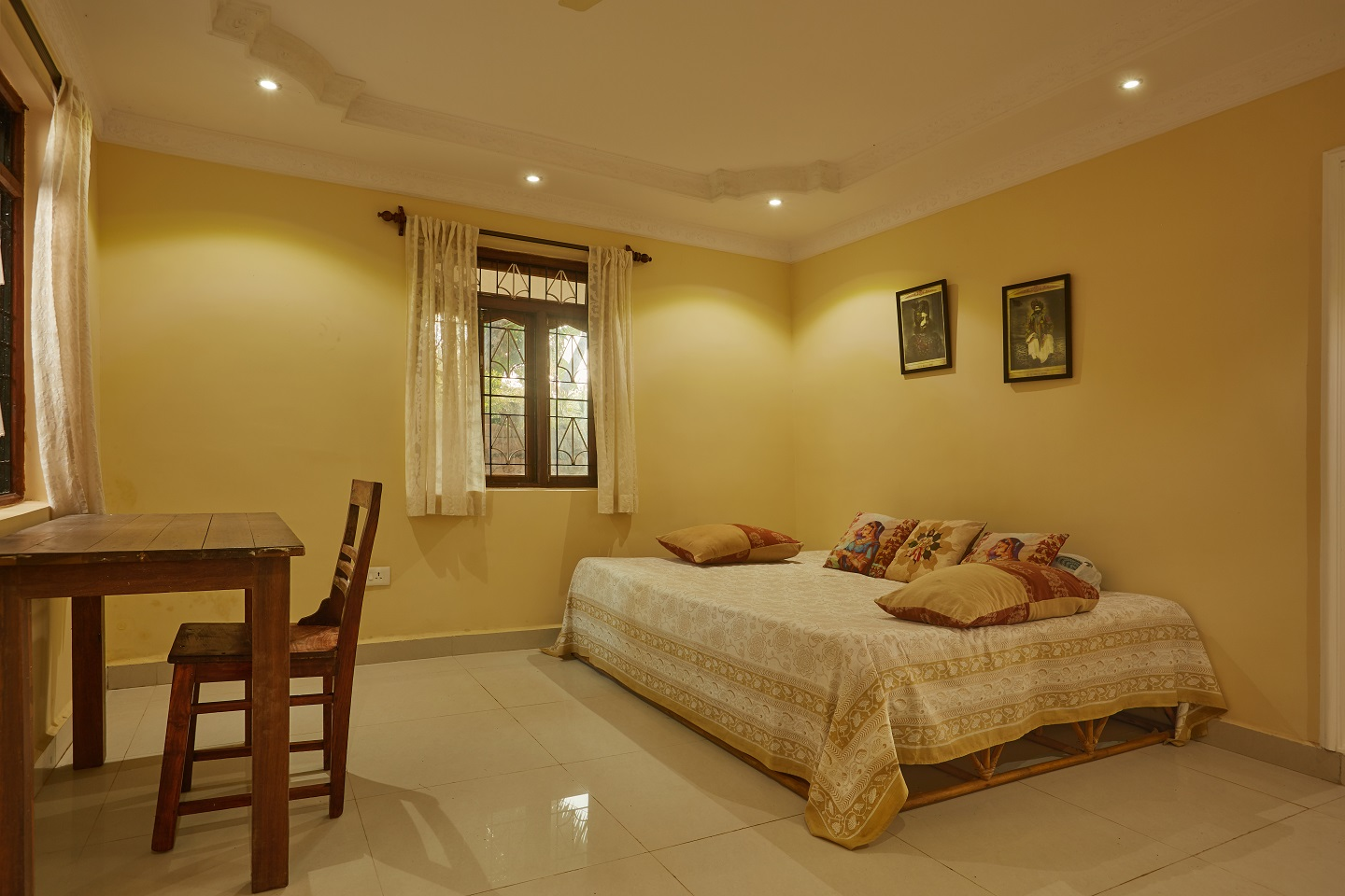 Two Bedroom Self-Service AC Apartment, Talpona, Goa living room